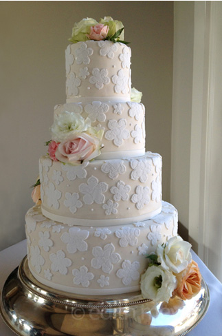 Detail of jacquard fondant wedding cake