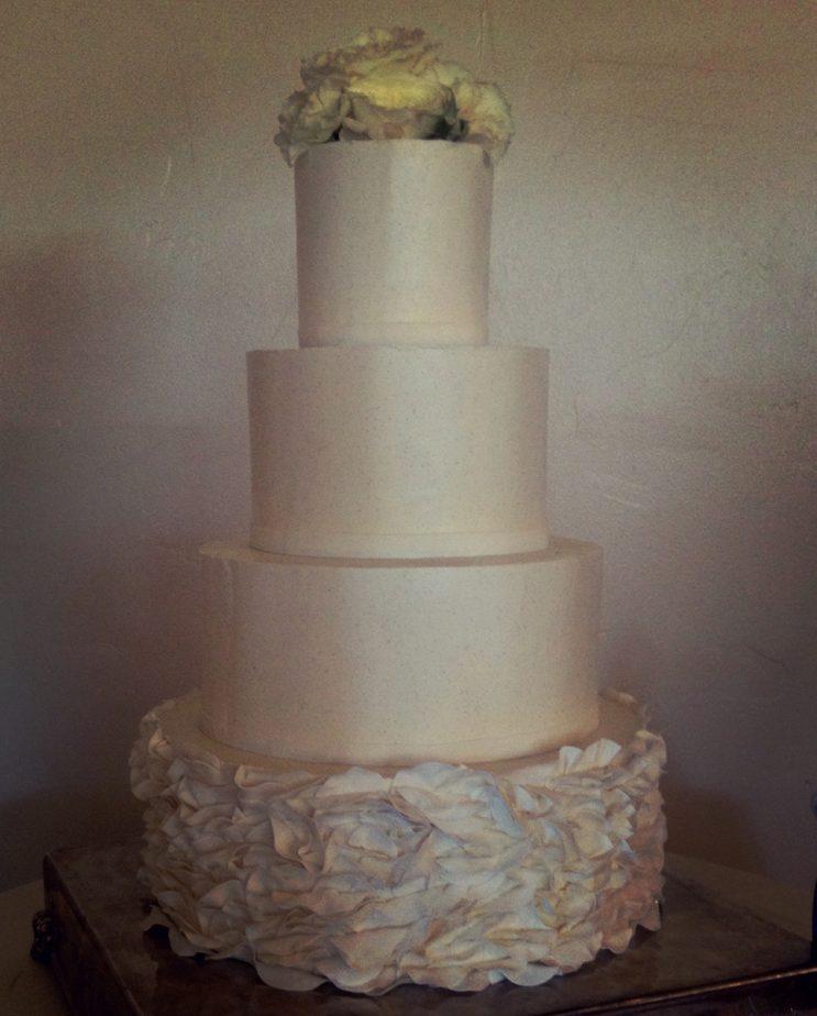 cake-with-ruffles