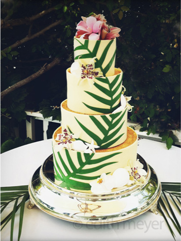 wedding cake with green leaves wedding cakes edith meyer wedding cakes 26903